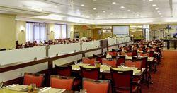 חדר אוכל במלון קיסר פרימייר - Dining Room at Ceaser Premier