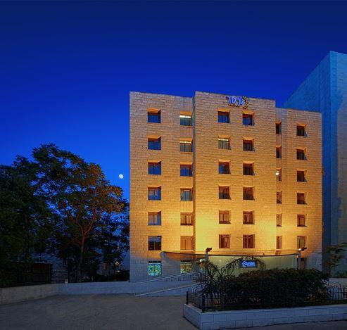 חזית מלון קיסר פרימייר - Front of Ceaser Premier Hotel