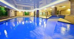 בריכת מלון קיסר פרימייר - Hotel Pool Ceaser Premier