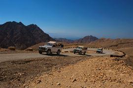 תמונה של תמונה של ג'יפים באזור אילת
