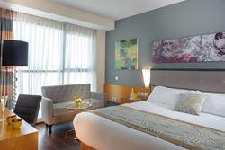 מלון לאונרדו פלאזה - חדר שינה - Leonardo Plaza Hotel - Bedroom