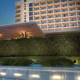 חזית מלון דן כרמל - Dan Carmel hotel front