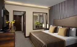 חדר שינה במלון דן כרמל - Dan Carmel hotel bedroom