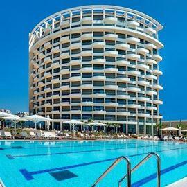 בריכת המלון ווסט בוטיק תל אביב - Hotel Pool West Boutique Tel Aviv