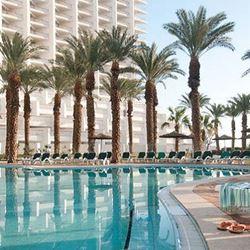 בריכת מלון דיוויד דד סי - Hotel Pool David Dead Sea