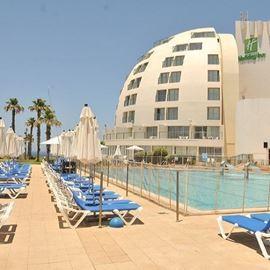 מלון הולידיי אין - בריכה - Holiday Inn Hotel - Pool