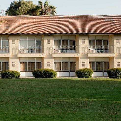 מלון שפיים - חזית - Shefayim Hotel - Front
