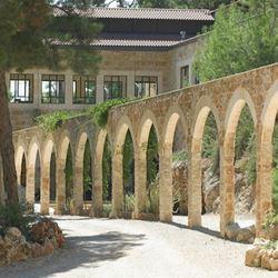 מתחם הגינה של  מלון בית בגליל - Garden area of Bayit BaGalil Hotel