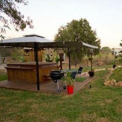 צימר בלטרון - ג'קוזי וברביקיו בגינה - Zimmer at Latrun - Jacuzzi and BBQ in garden