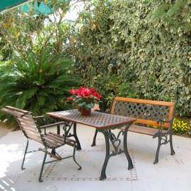 א.א אירוח איכותי - גינה - A.A Quality accommodation - garden