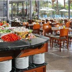 חדר אוכל - מלון אמריקנה