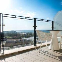 """אכסניית אנ""""א חיפה - מרפסת נוף - ANA Hostel Haifa - Balcony view"""