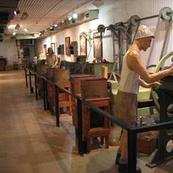 מוזיאון מכון איילון - פנים - Ayalon Institute Museum - interior