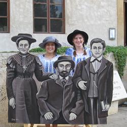 צילום עם דמויות היסטוריות  - Photography with historical figures