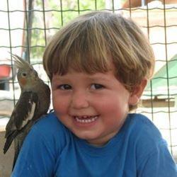 ילד מחייך - Smiling child