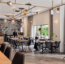 מלון פרימה סיטי -  חדר אוכל - Prima City Hotel - Dining room