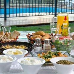 צימר הבית במטע - ארוחת בוקר - Bayit Bamata Zimmer - Breakfast