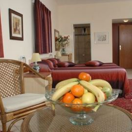 חדר שינה מלון ארזים - Bedroom Arazim Hotel