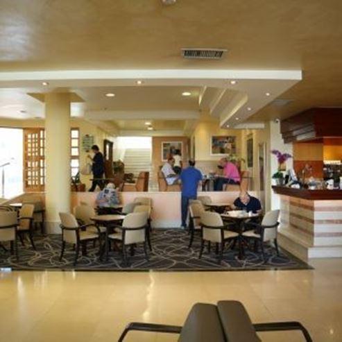 לובי מלון אמבסדור ירושלים