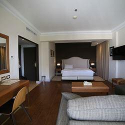 חדר שינה - מלון אמבסדור ירושלים