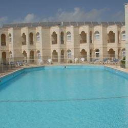 בריכת מלון חוף עכו - Hotel Pool Akko Beach