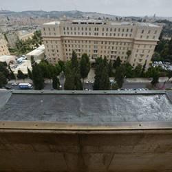 מבט חוץ ממלון שלוש הקשתות - OutsideView from Three Arches Hotel