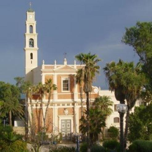 הכנסייה מבחוץ - Church from the outside