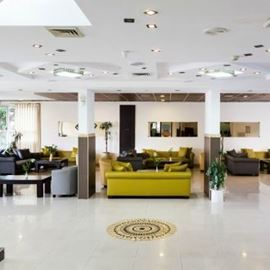 מלון גולדן טאוור - לובי - Golden Tower Hotel - Lobby