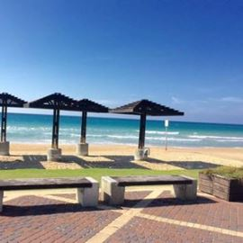 חוף דדו - Dado Beach