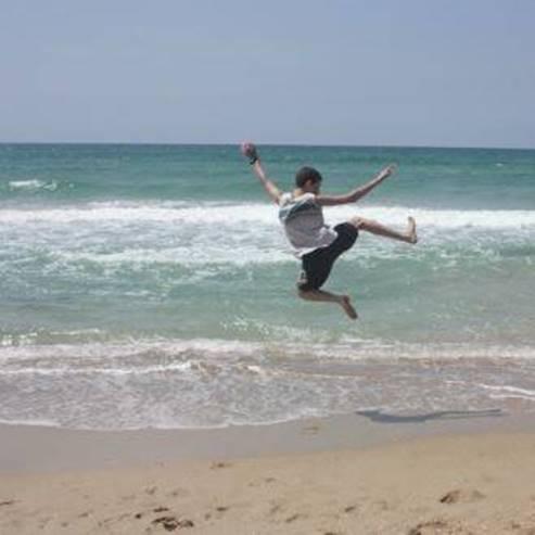 זינוק מעל הים-חוף נעורים - A Leap over the sea -Neurim beach