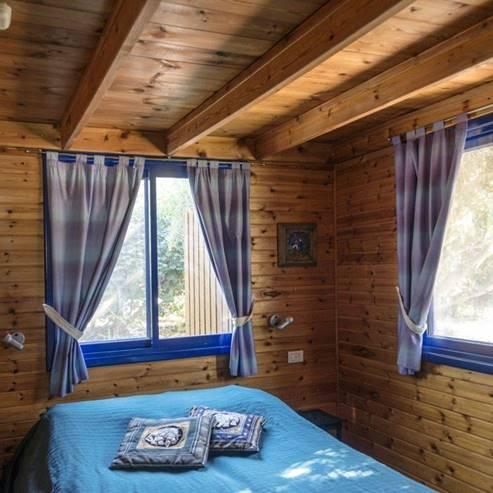 יערת הדבש - בקתת האלה פנים - Yee'arat HaDvash - Cabin interior