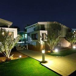 אי שם - מתחם הצימרים בלילה - Ey Sham - The Zimmer area at night