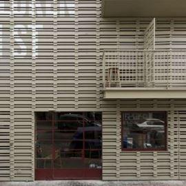 חזית אכסניית פלורנטין - Florentin Hostel Front