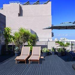 מרפסת אכסניית פלורנטין - Balcony Florentin Hostel