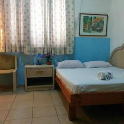 חדר שינה עם מיטה זוגית - Bedroom with double bed