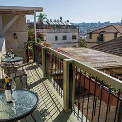 מרפסת מהאכסנייה - Balcony from the hostel