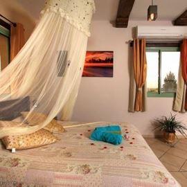 ספא ואירוח בדרך הטבע - מיטה זוגית - Spa and accomondation BeDerekh HaTeva - Double bed