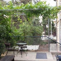 בית בן יהודה - מרפסת - Ben Yehuda House - Balcony
