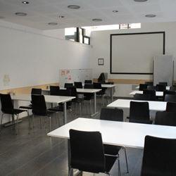 חדר כנסים בבית בן יהודה - Conference Room at Ben Yehuda House
