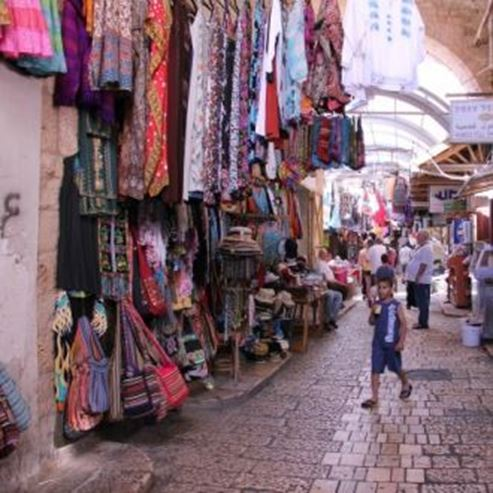 השוק העממי בעיר העתיקה - The popular market in the Old City