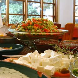 ארוחת בוקר בבית הארחה קיבוץ שמרת - Kibutz Shomrat House Breakfast