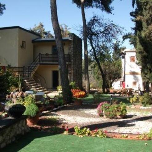 אירוח רוקנשטין - חצר - Rockenstein hospitality - courtyard