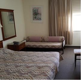 מלון רון - חדר שינה - Ron Hotel - Bedroom