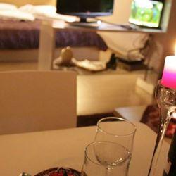 כוס יין בצימר - Glass of wine in Zimmer