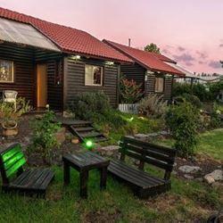 הבקתות של ליאת - חצר - HaBiktot Shel Liat - Courtyard
