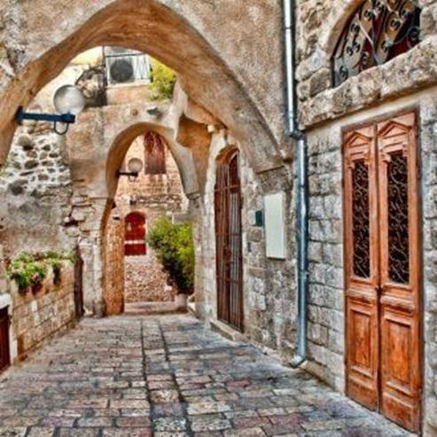 רחוב ביפו העתיקה - A street in Old Jaffa