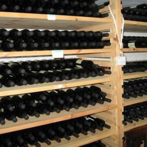 יינות בתוך היקב - Wines inside the winery