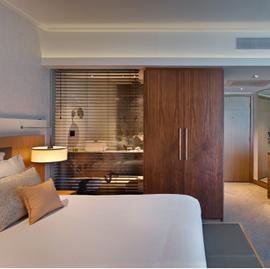 חדר השינה במלון ישרוטל טאוור - Bedroom at Isrotel Tower Hotel