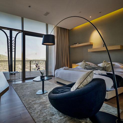 חדר השינה במלון כרמים - Bedroom at Kramim Hotel
