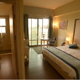 מלון הולילנד - חדר שינה - Holyland Hotel - Bedroom